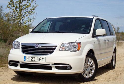 1-lancia-voyager-mayo-2012.jpg