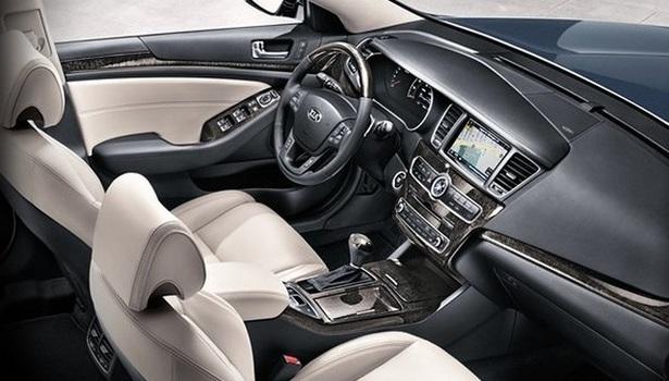 2017-Kia-Cadenza-interior.jpg