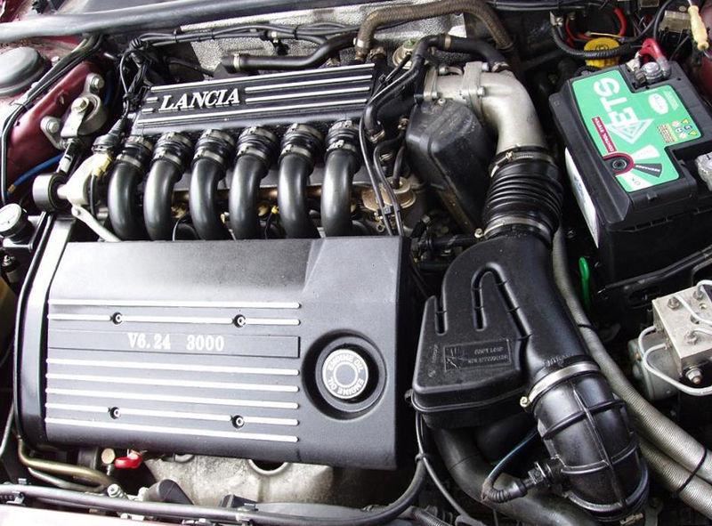 800px-Lancia_kappa_coupe_3,0.jpg