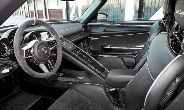 918spyder-interior.jpg