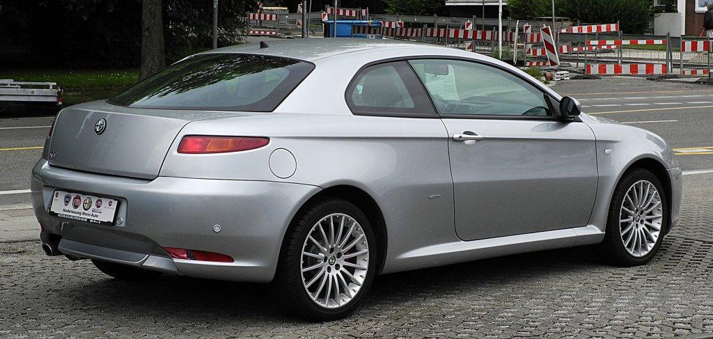 Alfa_Romeo_GT_1.8_TS_16V_Progression_–_Heckansicht,_3._Juli_2011,_Essen.jpg