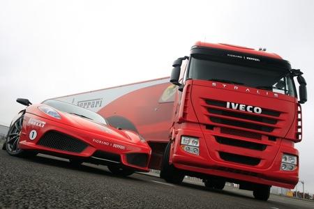 camion-iveco-transporta-ferraris-0.jpg